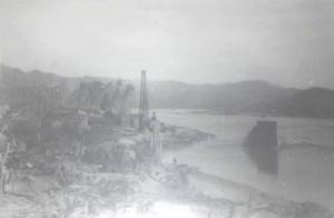El huracán del 27 de octubre de 1959 incrementó el cauce del río de Cihuatlán y se perdieron los avances que se tenían en la construcción del puente.